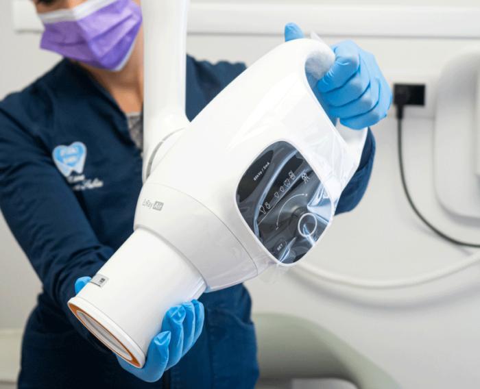 Presso lo studio Sabiu con questa radiografia si possono studiare nel dettaglio singoli elementi dentari e i loro tessuti di sostegno, alla ricerca di carie